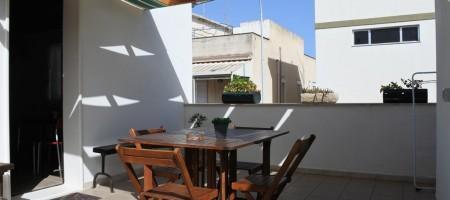 (Italiano) Casa  con giardino
