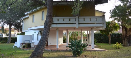 Villa Pilotis