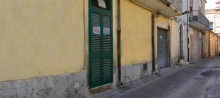 Basso commerciale in Via Pirri