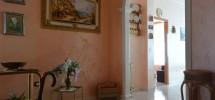 (Italiano) Appartamento con terrazzo