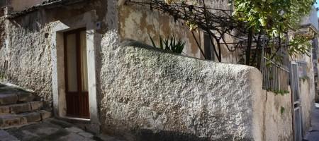 Casa con giardinetto
