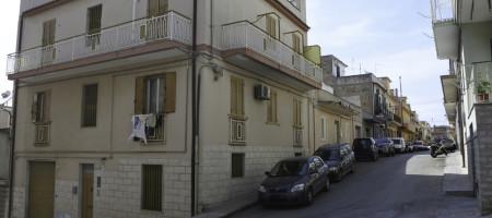 (Italiano) Appartamento via Cilea