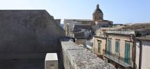 (Italiano) Casa con terrazzo via Cirillo