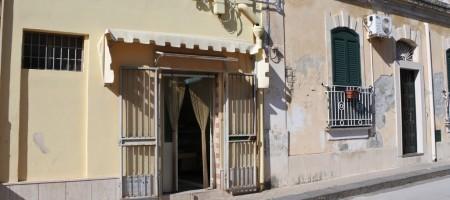(Italiano) Bilocale con terrazzo via Grimaldi