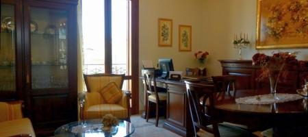 Appartamento in vendita a Noto in via Martoglio