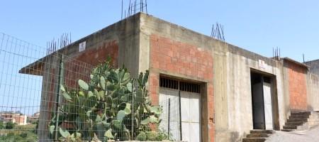 (Italiano) Casa in cantiere con garage a Noto