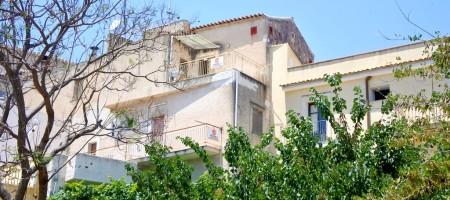 Casa singola con terrazzo nel quartiere Mannarazze