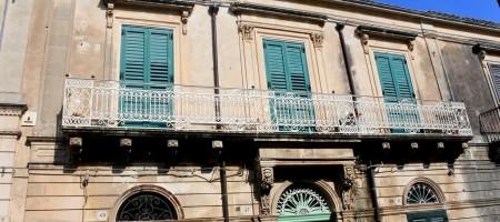 Palazzetto storico in via Principe Umberto