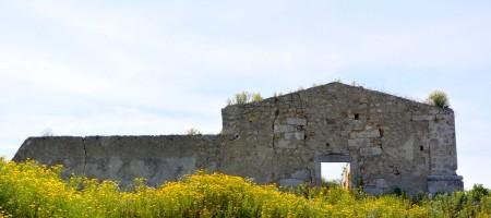 Terreno coltivabile e caseggiato a Rosolini c.da Misilini