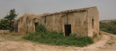 (Italiano) Terreno e caseggiati c.da Zupparda