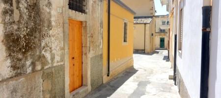 (Italiano) Casetta con soppalco in Centro Storico a Noto