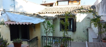 Casa con giardino in Via Mandalà