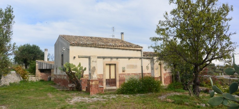 Farmhouse Tucidide in the countryside of Noto