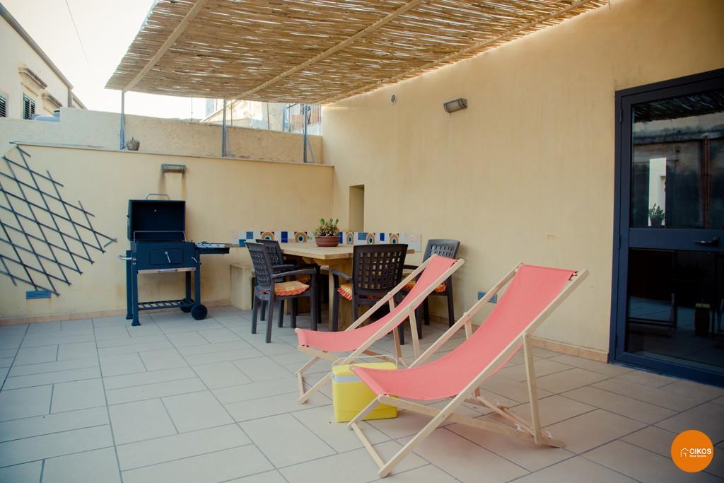 Italiano) Casa con terrazzo a Santa Caterina | Oikos Immobiliare