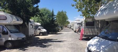 (Italiano) Area di sosta attrezzata per camper