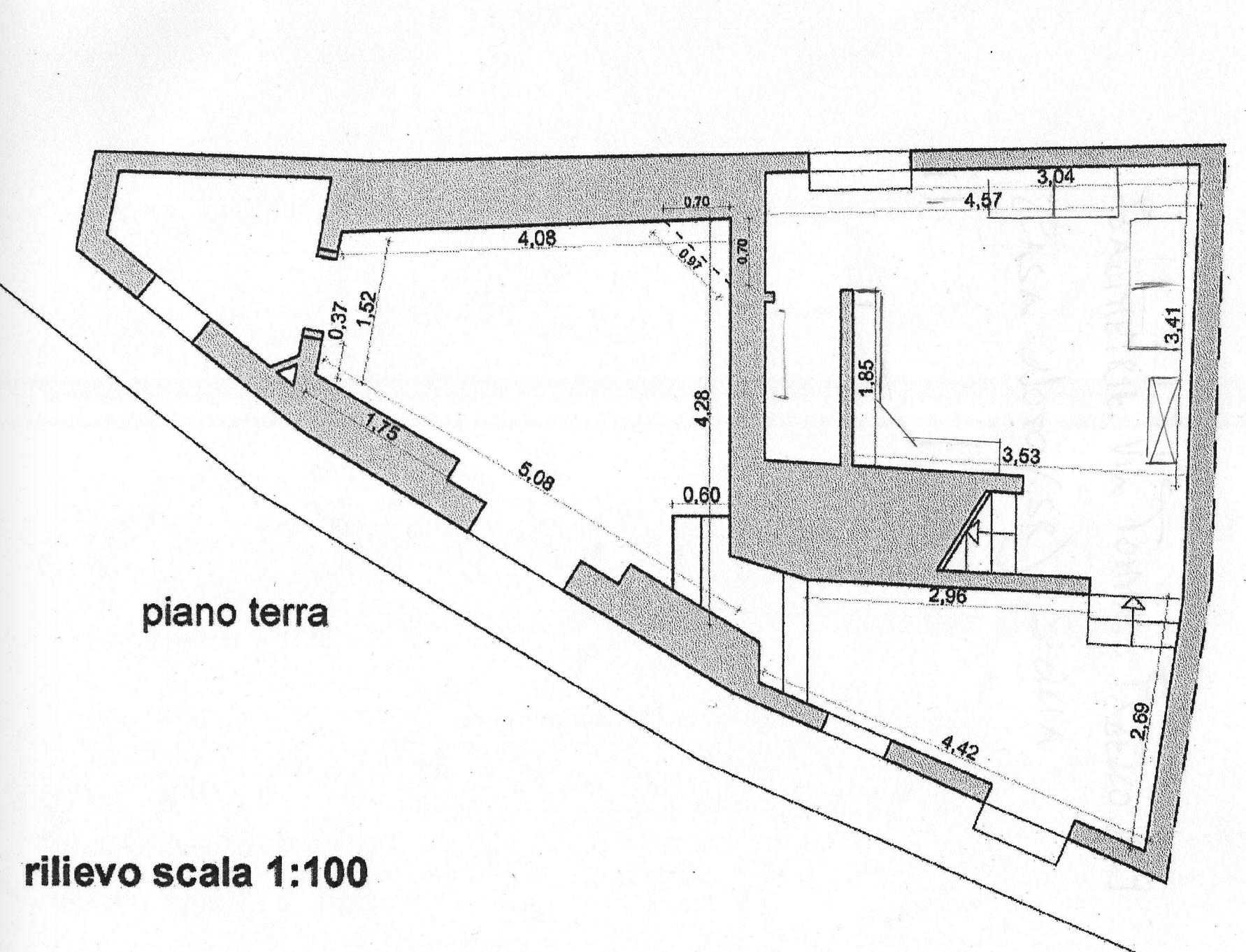Casa indipendente con terrazzo 35