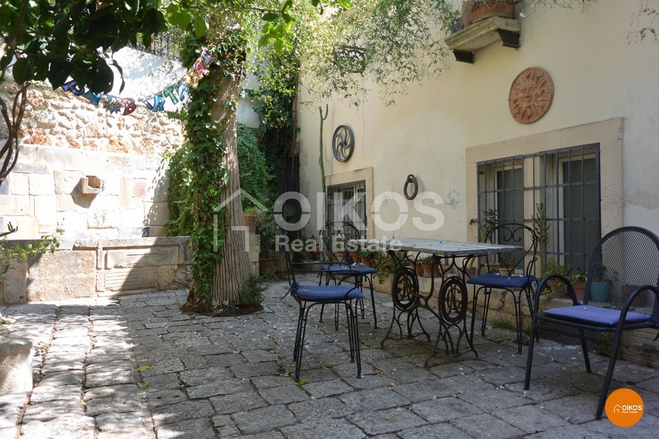 Casa in centro storico con giardino via P. Capponi