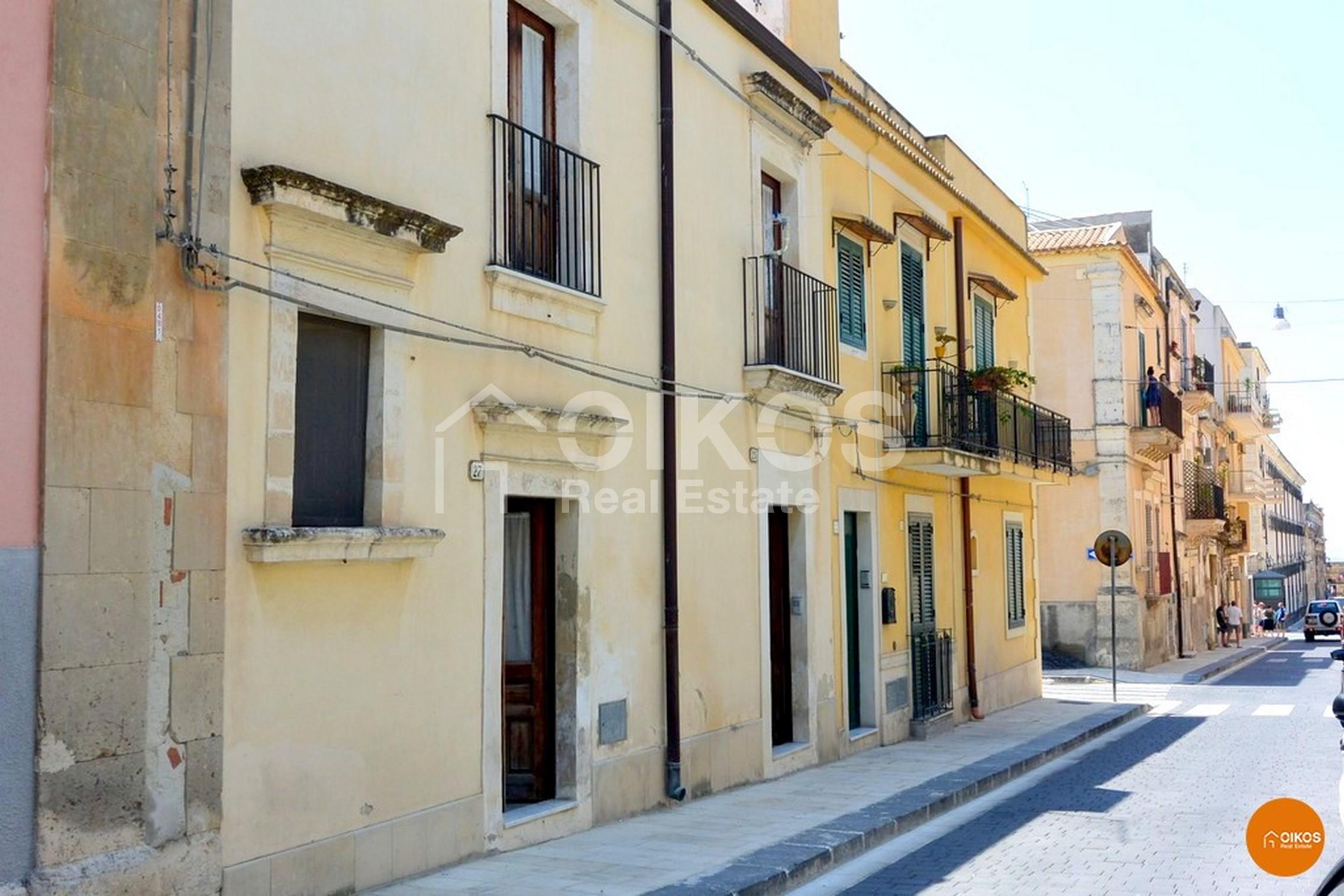 Casa singola in via Sallicano a Noto zona Crocifisso