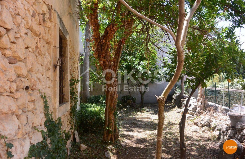 Caseggiato con giardino nella zona alta di Noto