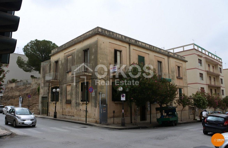Palazzetto del ' 900 in viale Principe di Piemonte