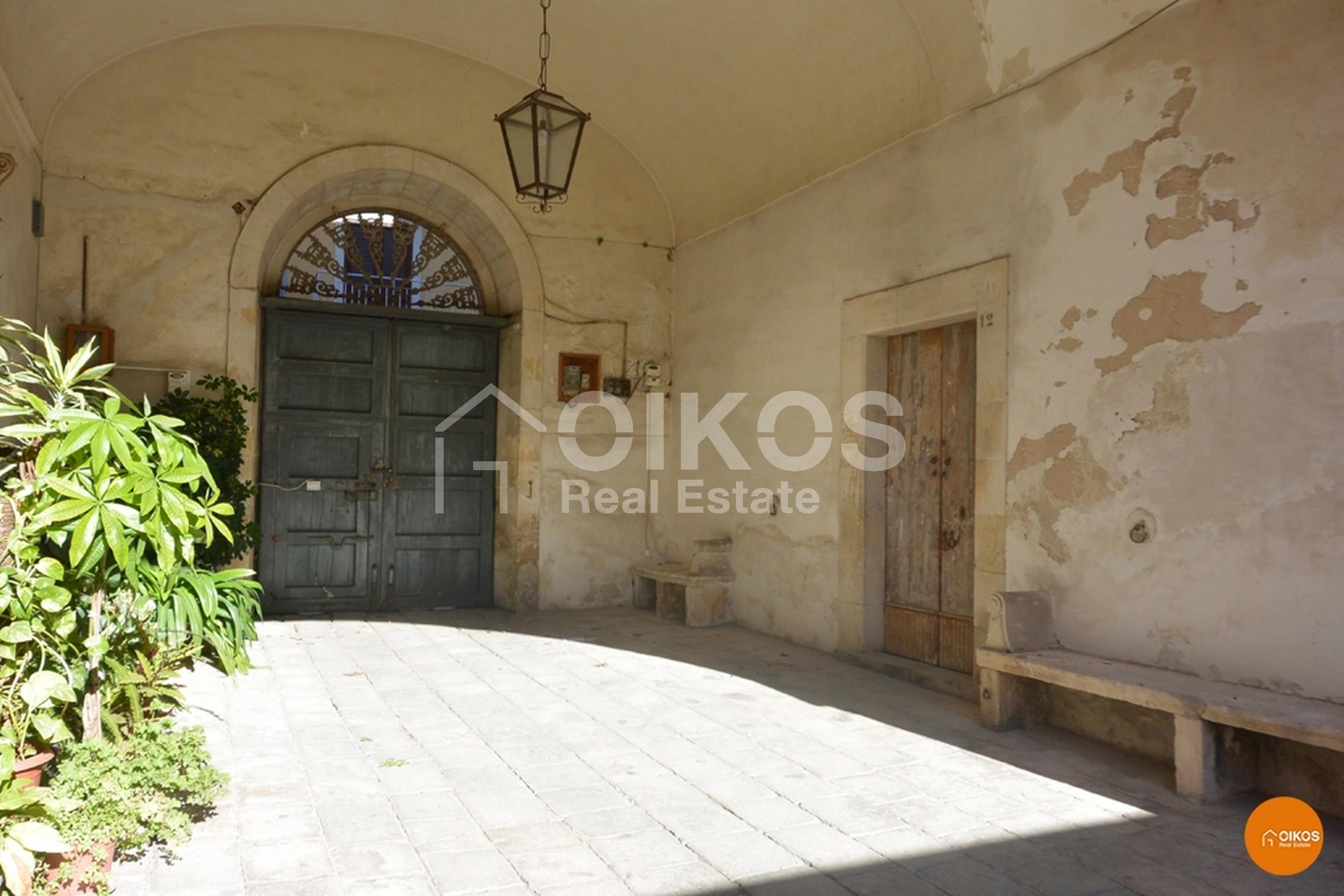 Casa corso Vittorio Emanuele avola noto siracusa barocco unesco vendicari arenella fontane bianche (1)