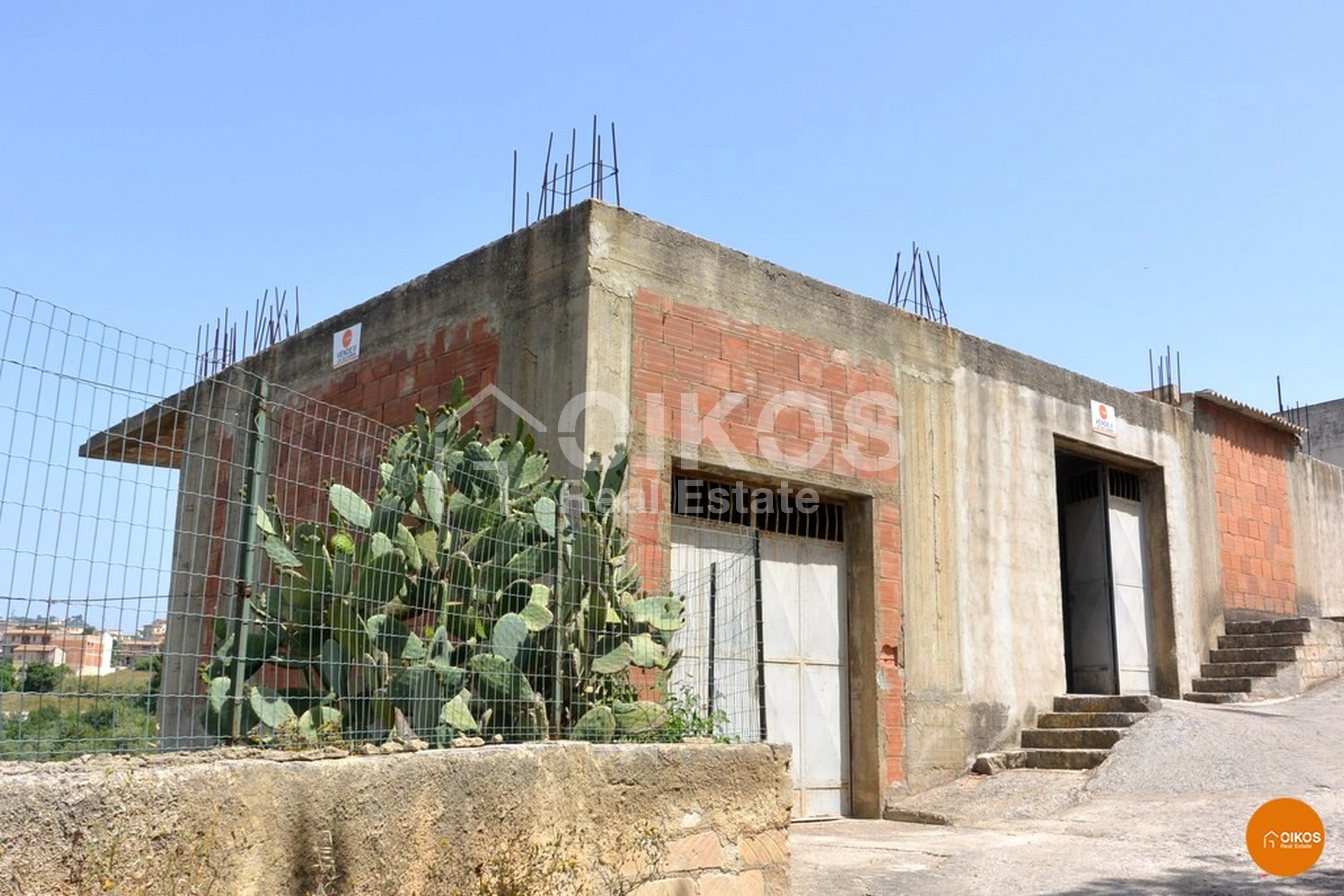 Casa in cantiere con garage a Noto (1)