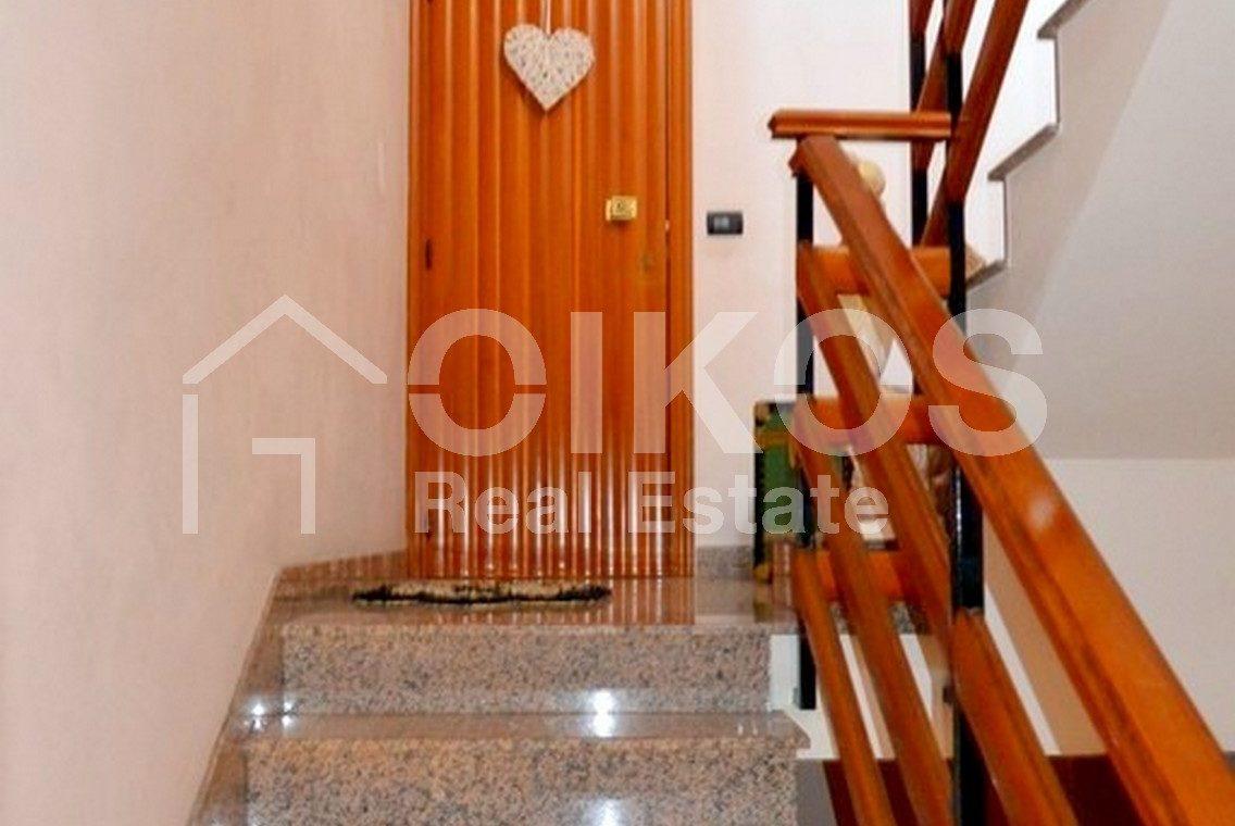 Casa indipendente su due livelli con terrazzo e garage ad Avola 11