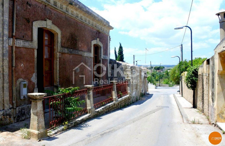 Casa singola con terrazzo a San Corrado di Fuori