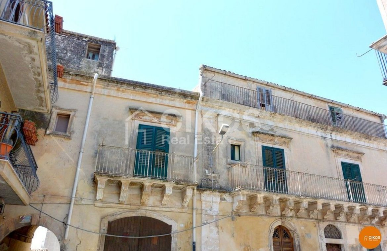 Palazzo storico Corso Savoia Rosolini (2)
