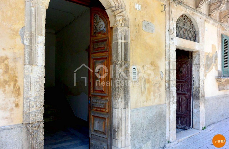 Palazzo storico Corso Savoia Rosolini (9)