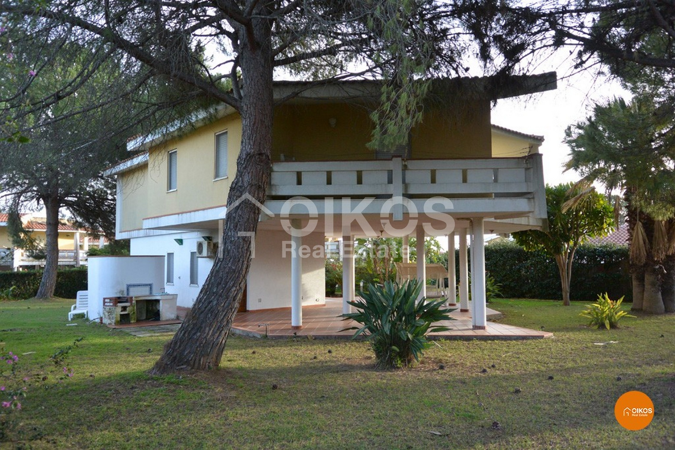 Villa Pilotis 01