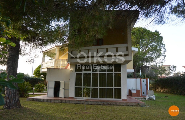 Villa Pilotis 03