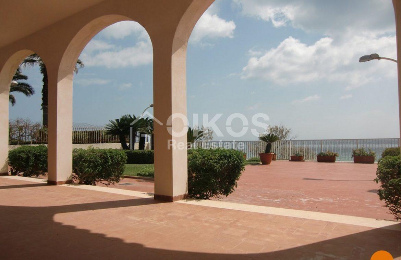 villa sulla spiaggia 56
