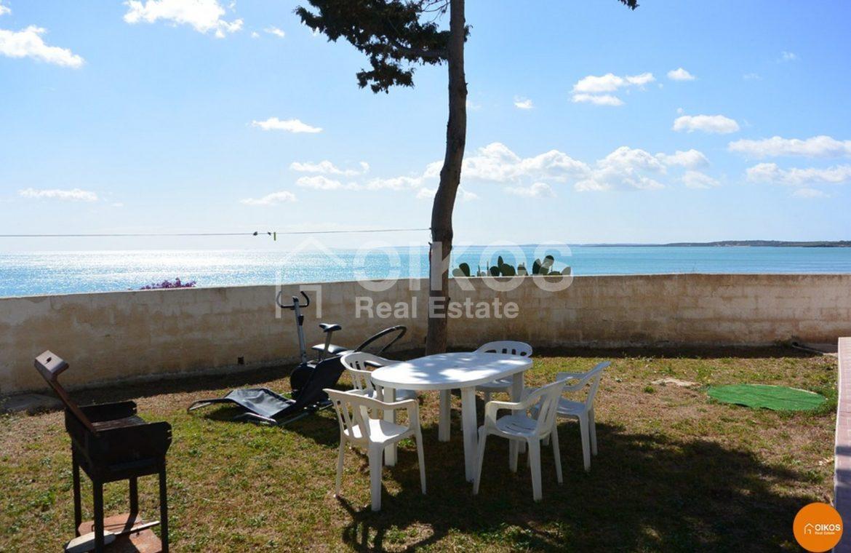 Villetta fronte mare 02