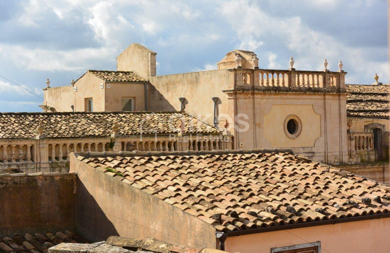 Terrazzo in pieno centro storico1