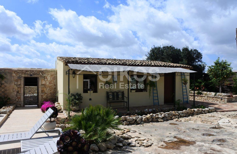 Prestigioso casale siciliano dell'800 08