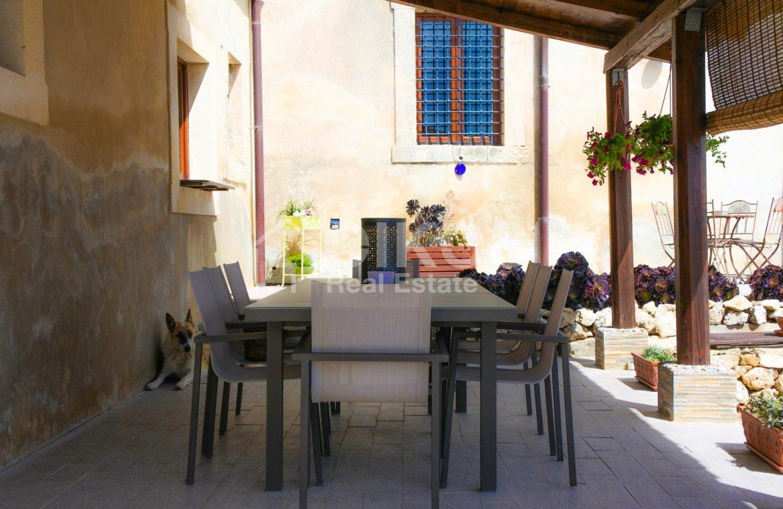 Prestigioso casale siciliano dell'800 12