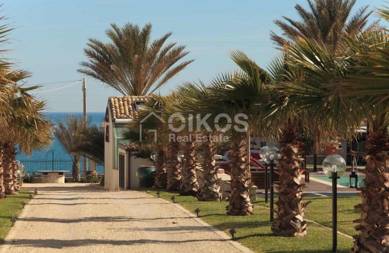 Villa con accesso diretto al mare18