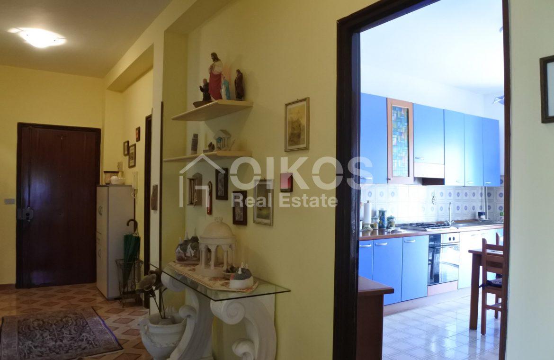 Ampio e luminoso appartamento con garage 3