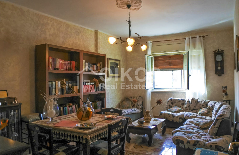 Ampio e luminoso appartamento con garage 4