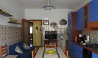 Ampio e luminoso appartamento con garage 8