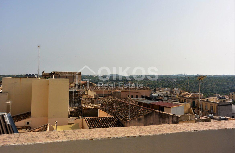 Casa singola con due terrazzini nella vicina Cattedrale di Noto7