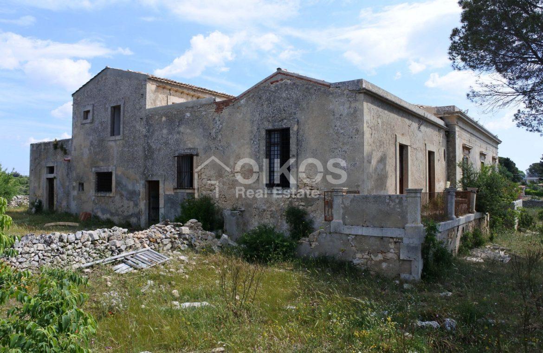 Casale dell'800 nella campagna siciliana 3