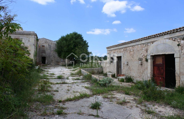 Casale dell'800 nella campagna siciliana 4