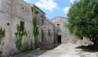 Casale dell'800 nella campagna siciliana 5
