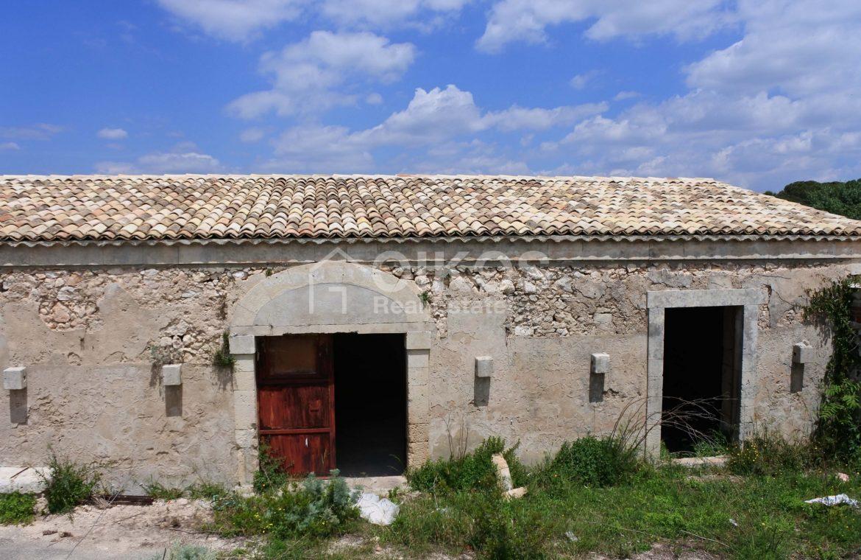 Casale dell'800 nella campagna siciliana 8