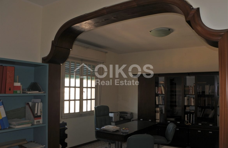 appartamento con garage in via Ugo Lago 1