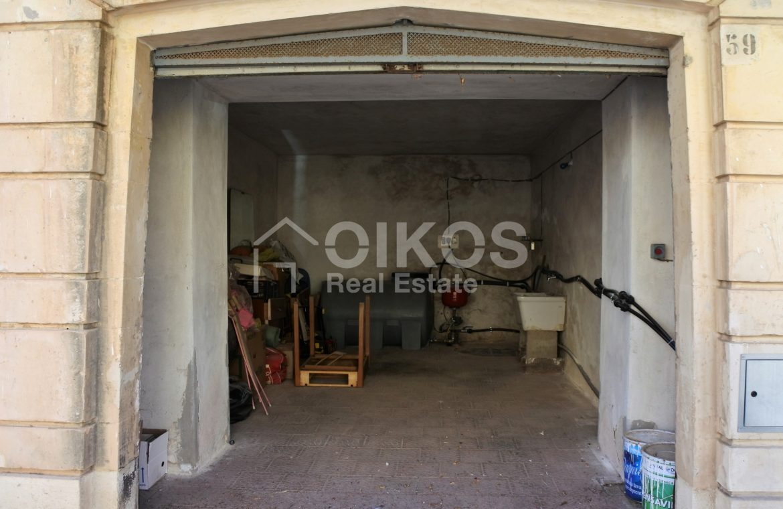 appartamento con garage in via Ugo Lago 14