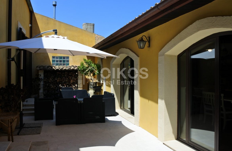 villa con piscina San Corrado F M 04