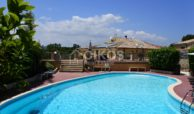 villa con piscina San Corrado F M 08